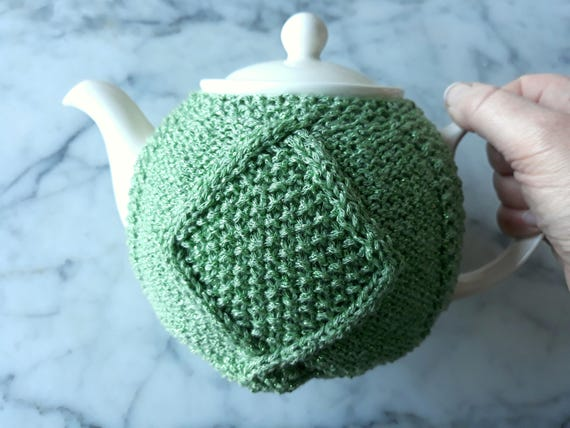 Irish knit teacozy: knitted teacozy in sparkly green yarn. Great gift for St. Patrick's Day! Aran teacosy. Green teapot cover. Irish gift.