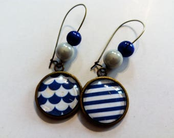 earring dangle cabochon graphic pattern
