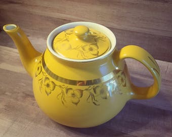 Vintage Hall China Yellow Gold Floral 8 Cup Teapot 028