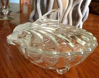 Wonderful Glass Seashell, Clam Covered Dish
