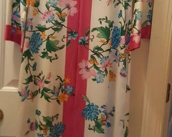 Evelyn Pearson floral robe/hostess gown