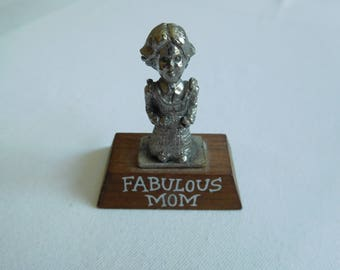 "Vintage ""Fabulous Mom"" Little Statue for Shelf, Desk, or Dresser"