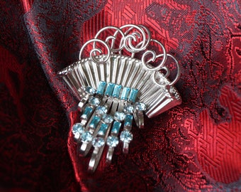 Beautiful BOND BOYD Spray of Rhinestones Brooch with 22 Turquoise  Asscher and Radiant Cut Rhinestones