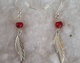 Earrings feathers and pearls Red