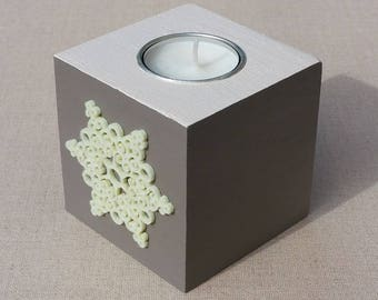 Taupe, ecru snowflake decor wooden Square candle holder