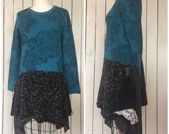 Blue Paisley long tunic top-vintage buttons -lagenlook long sleeve top-boho layering shirt-hippie clothing-Sz M 75rabbitDesigns