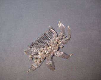 Swarovski™ Pearl, Crystal and Leaves Comb Headpiece