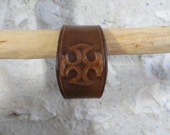 The vegetable tanned leather, Cathar cross bracelet