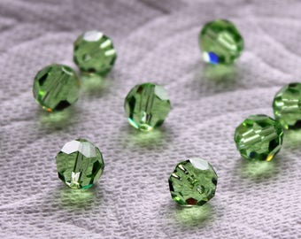 Set of 10 Swarovski Crystals Peridot Faceted Round 8mm Individual Crystal Beads Set of 10 Beads FREE STANDARD SHIPPING