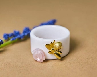 Lovely and Unique Bee & Flower Ring