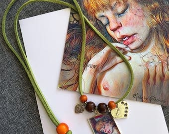 Necklace + postcard Emerging from cocoon - Bibs Lovelypam