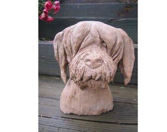 Sculpture tête de chien sympathique en céramique