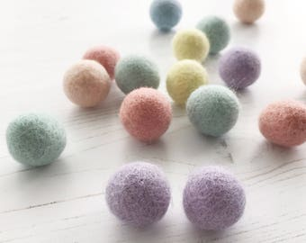 Pastel Rainbow Felt Ball Garland, Feltball Garland, Pom Pom Garland, Garland, Home, Nursery, Bedroom, Decoration