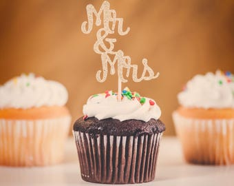 Mr and Mrs cupcake topper, wedding cupcake topper, Couples shower, Bridal shower