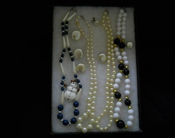 Vintage Jewelry Lot Pearl Necklaces And More #429
