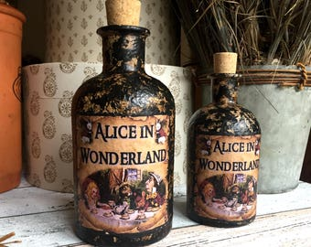 Steampunk Alice in Wonderland. Alice in Wonderland Gift.  Alice in Wonderland Decor. Alice in Wonderland Bottle. Steampunk. Steampunk Gift.