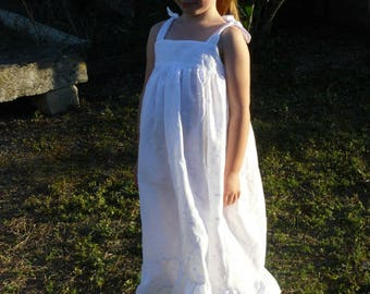 Girl Nightgown retro ruffled white broderie anglaise