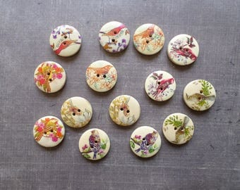 20 buttons round wood pattern Nature animal birds 2 cm