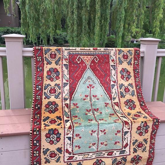 Antique Manastir Prayer Rug / Anatolian Rug / Folk Art Rug / Prayer Mat / Area Rug 4 x 6 / Flower Rug / Yellow Rug / Handwoven Oriental Rug