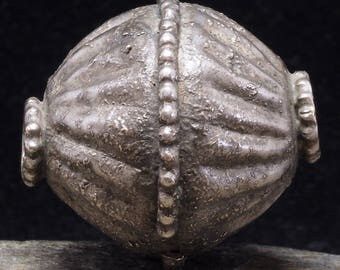 Antique collareld silver globe bead. 30 x 29 mm. Yemen