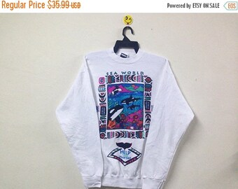 SALE 15% Vintage 80s Respect and Protect Sea World Sweatshirt Crewneck