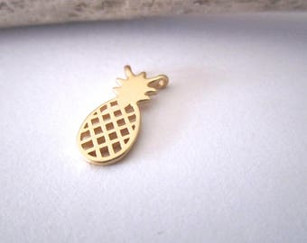 Connector matte gold pineapple