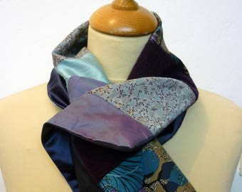 Scarf collar in blue and purple patchwork fabric