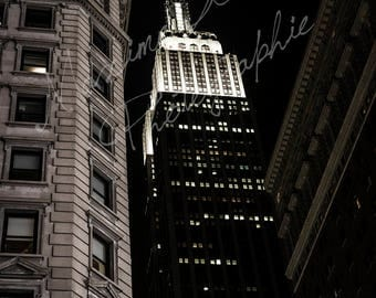 Picture of the Empire State Building, Manhattan, New York, USA