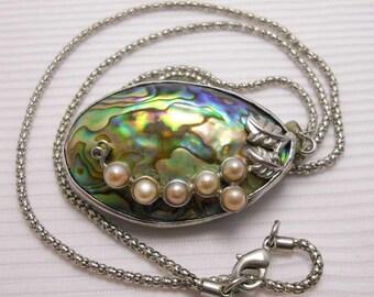 Paua Abalone Shell Faux Pearl Pendant Vintage Necklace