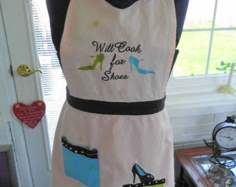 "Vintage Apron  ""Will cool for shoes"""