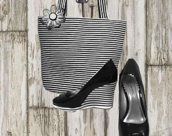 Women's Handbag Black And  White With Matching Wedge Shoes size 6.5