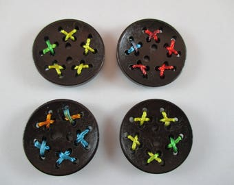 4 buttons, wood, Brown, 3 cm diameter.