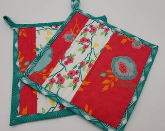 Snowbird Island Quilted Potholders with Loop - Set of 2 and Free Shipping!