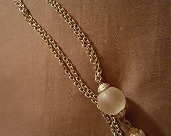 Elegant silver necklace