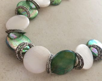 Green White mother of pearl bracelet