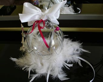 Ball holder feathers pearls white Fuchsia and grey streaks