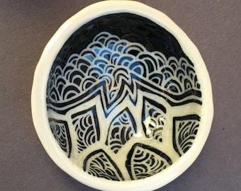 Zentangle Ring Bowl- illustrated pottery, ceramic bowl, dip bowl, ring bowl, clay dish, tea bag holder, handmade pinch pot, snack bowl