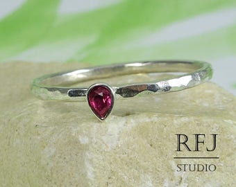Teardrop Synthetic Ruby Hammered Silver Ring, Stacking July Birthstone Ring Pear Cut 3x2 mm Pink Ruby Ring Tiny 925 Silver July Ruby Ring
