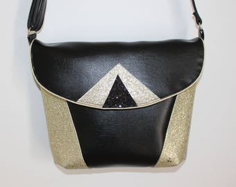 Bag graphic black and gold