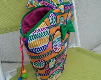 wax tote bag multicolored 722 with Green bow front closes with green zip