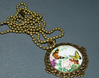Baroque cabochon pendant Butterfly & flower
