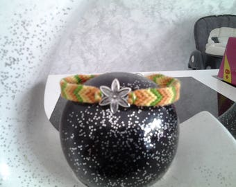 Friendship Bracelet with Spring Flower shade green yellow orange with clasp (16cm)