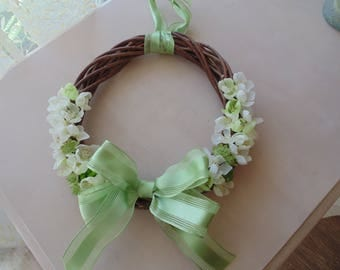 Decorative indoor wreath
