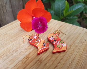 Japanese curves - red and blue, s-shaped, wooden earrings