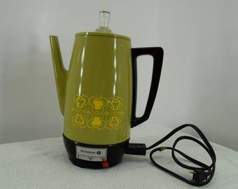 Vintage Avocado Green aluminum Westinghouse percolator coffee maker coffee pot HP71 decorator