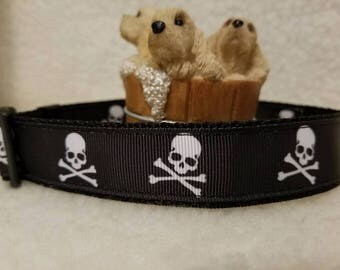 Skull/Crossbones Handmade Dog Collar 1 Inch Wide Large & Medium
