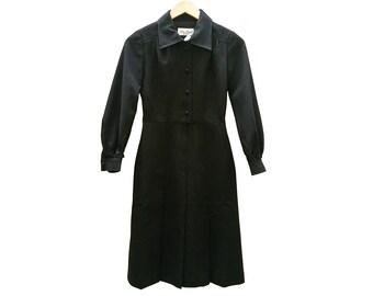 Vintage dress//vintage clothing/vintage pattern/gift for women/black/Black dress/retro/70s/vintage fashion/Sale