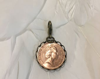 """Authentic AUSTRALIAN 1 Cent coin """"QUEENS FACE"""" Travelers Notebook Charm - set in Bronze"""