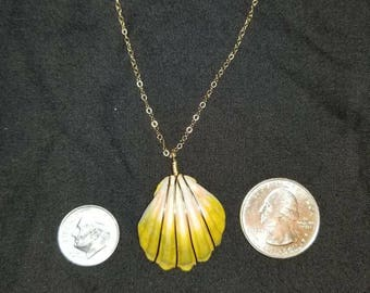 Gold filled chain with gold filled wire wrapped sunrise shell