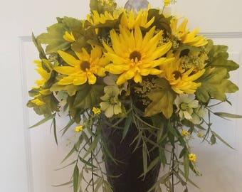 Summer wreath/ spring wreath/ door wreath/front door wreath/ flower wreath/ holiday wreath/door decor